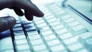 300-keyboard-fingers
