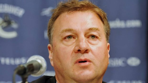 Vancouver Canucks general manager Mike Gillis agreed to a contract extension on Monday.