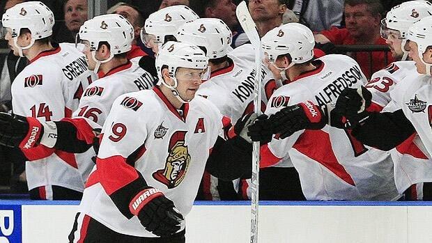 Jason Spezza celebrates his first goal on Thursday with Ottawa teammates at Madison Square Garden.