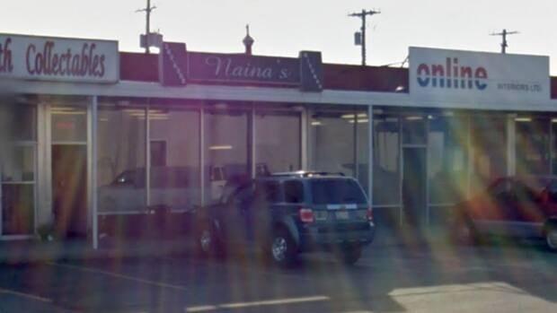 John Gilchrist reviews Naina's restaurant at 2808 Ogden Road S.E.