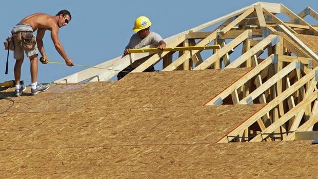 A survey suggests 41 per cent of U.S. home builders lost a contract in early August because buyers could not sell their current home.