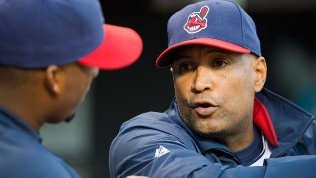 Sandy Alomar Jr., right, carved out an impressive 20-year catching career, so handling a pitching staff is right up his alley.