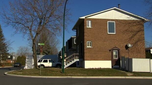 Longueuil police were called to this house in Brossard around 4 a.m. on Sunday.