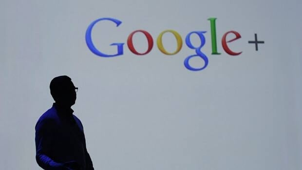 A Google executive in Brazil has been detained by police because the company defied an order to remove a Youtube video that criticizes a mayoral candidate in Sao Paolo.