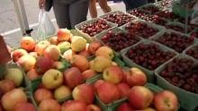 hi-farmers-market-fruit