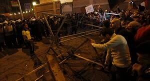 ii-cairo-wire-protesters