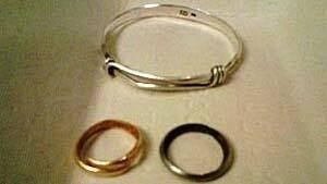 mi-bc-121207-beating-victim-jewelry