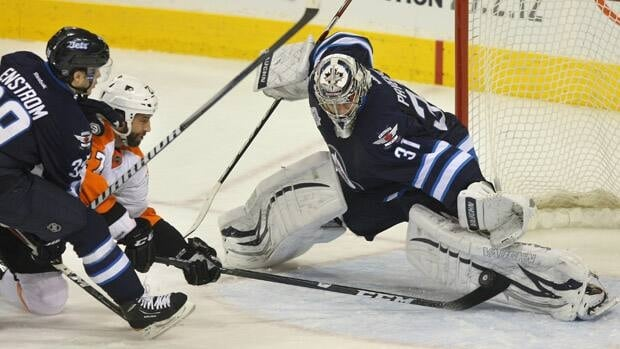 Ondrej Pavelec of the Winnipeg Jets will play in his native Czech Republic, according to his agent.