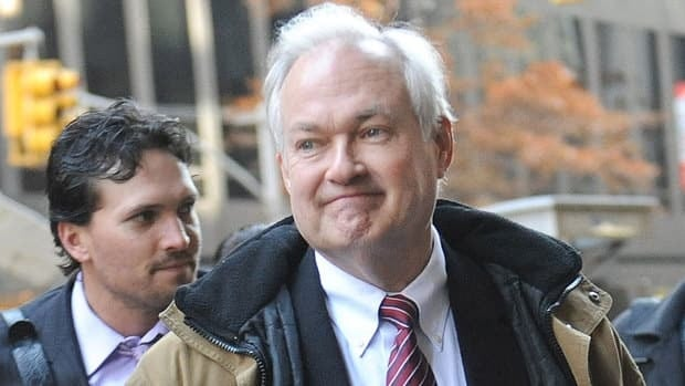 NHL Players' Association executive director Donald Fehr sent an offer to the NHL on Wednesday, reportedly proposing a 50-50 split of revenues during a five-year deal along with $393-million US in make whole payments.