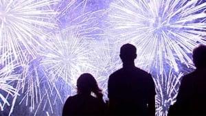 hi-bc-120802-vancouver-fireworks