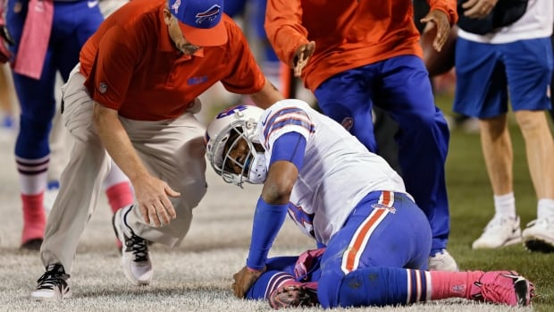 Buffalo Bills quarterback EJ Manuel was injured against the Cleveland Browns on Thursday night.