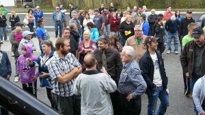 storage wars crowd in Thunder Bay