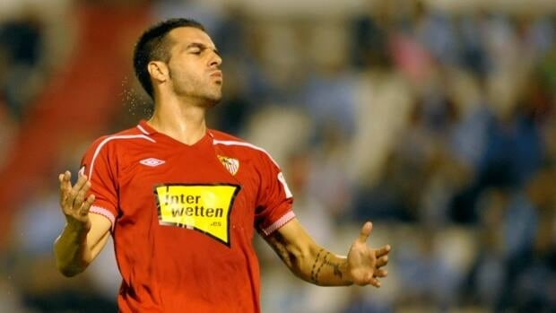 Sevilla forward Alvaro Negredo scored an injury-time equalizer against Espanyol in La Liga action on Friday.