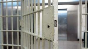 hi-jail-cell-bars-getty-sb10062143p-001