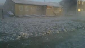 mi-iqaluit-house-water