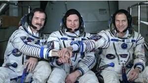 si-hadfield-crew-03652219