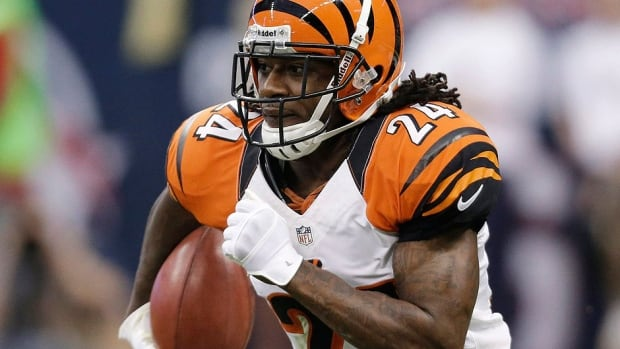 A trial started Monday for Bengals cornerback Adam 'Pacman' Jones, who is accused of hitting a 34-year-old woman at a downtown Cincinnati nightclub.