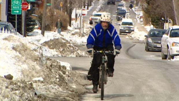 Environment Hamilton wants to turn city cyclists into air quality scientists. They plan to buy compact air quality monitors that are small enough to be strapped onto the handlebars of a bicycle.