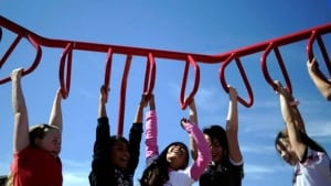 mi-bc-111207-children-climbing