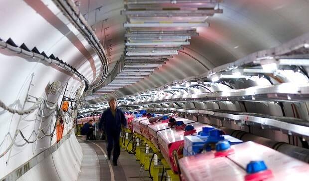 li-620-cern-neutrino-source-01329121