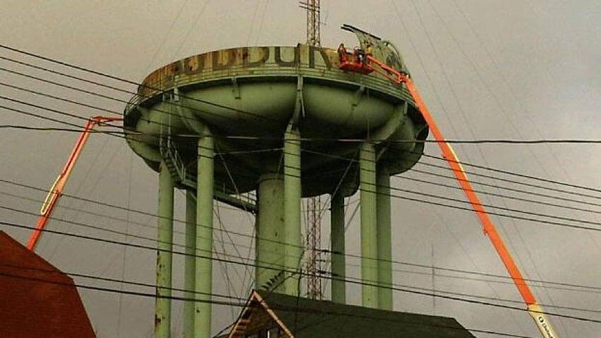 Windsor Water Tower Demolition : Demo work starts on pine street water tower sudbury