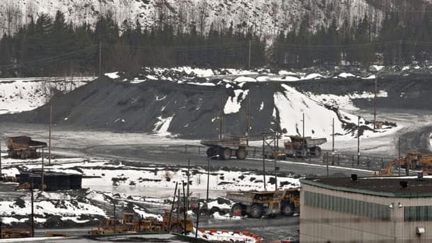 Lab Chrysotile asbestos mining operations in Black Lake, Que. Canada is blocking a move to add chrysotile asbestos to an international list of potentially hazardous chemicals.