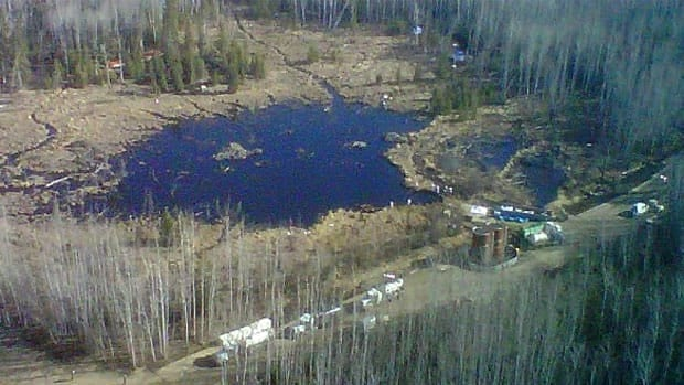 Plains Midstream Canada, which is still cleaning up after a spill of crude oil from the Rainbow pipeline in northern Alberta, has applied for permission to reopen the line.