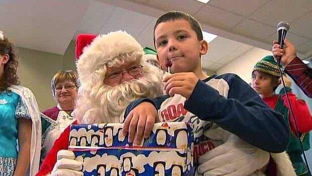 More than 70 children received a gift and a visit from Santa Claus at the holiday party organized in Saint-Jean-sur-Richelieu.