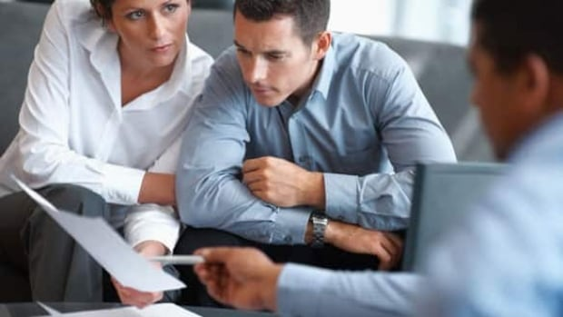 financial-adviser-584-istoc
