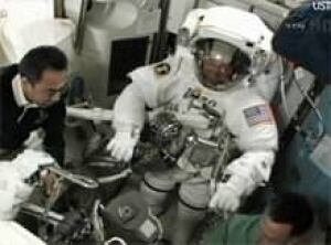 sm-220-spacewalk-prep