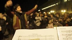 si-berlusconi-music-300