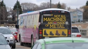 hi-saskatoon-bus-2011