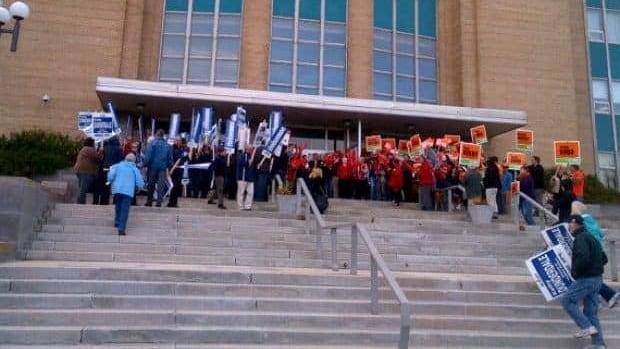 Supporters cheering in front of Confederation Building in St. John's before the leaders' debate.