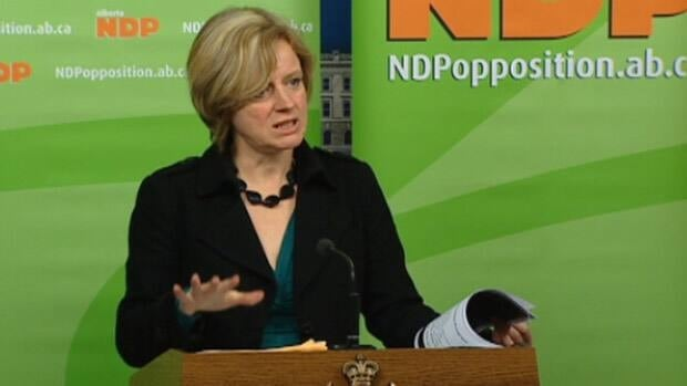 Edmonton MLA Rachel Notley announced her intention to replace NDP leader Brian Mason in Calgary today.