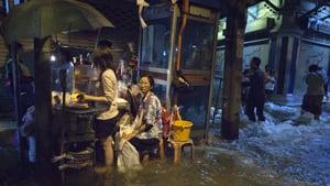 si-bangkok-waters-rtr2tder