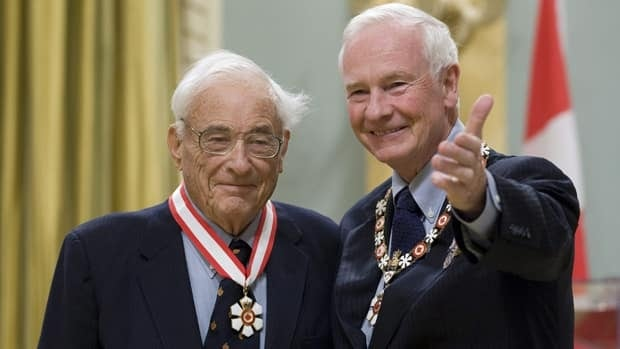 Governor General David Johnston invests Willard Boyle as a Companion of the Order of Canada in Nov. 2010. Boyle, who died Saturday, is best known for his work on the charge coupled device, for which he won the 2009 Nobel Prize in Physics.