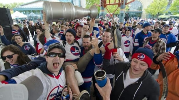 2011 Molson Canadian NHL Face-off is slated for Oct. 6 from The Forks in Winnipeg.