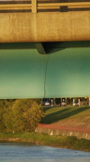 mi-bridge-crack-1