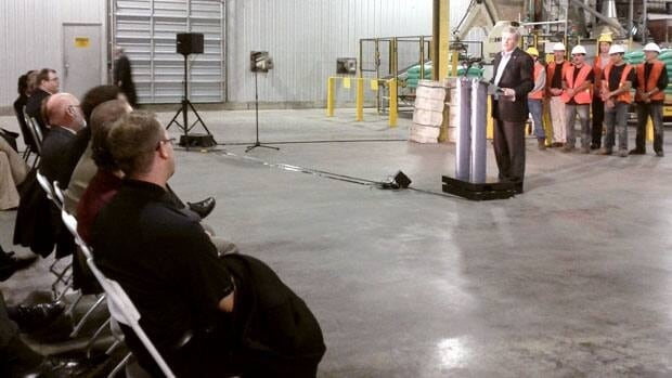Prime Minister Stephen Harper promises legislation to end the monopoly power of the Canadian Wheat Board will be passed.