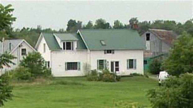 At least 10 people were undergoing an intense sweating detox program at this Quebec farmhouse when two of them were rushed to hospital unconscious. One woman later died.