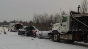 ottawa-renfrew-wide-crash