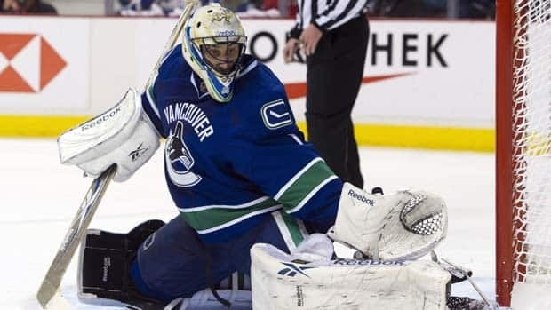 Roberto Luongo had 20 saves and earned his third career playoff shutout in Game 1.