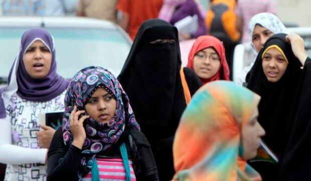 tp-cellphone-egypt-ap-7985801-584px