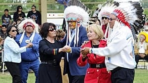 harper-ceremonial-chief-si-