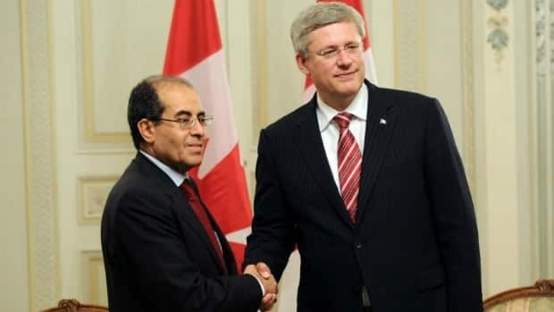 Prime Minister Stephen Harper met the prime minister of the Libyan transitional council, Mahmoud Jibril, in Paris on Thursday, following talks with other world leaders to discuss the future of the country.