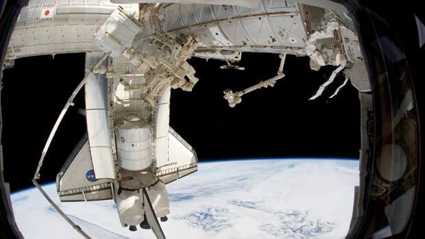 Discovery leaves space station for the last time for When was the international space station built