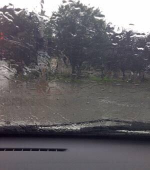 nb-mi-rain-car