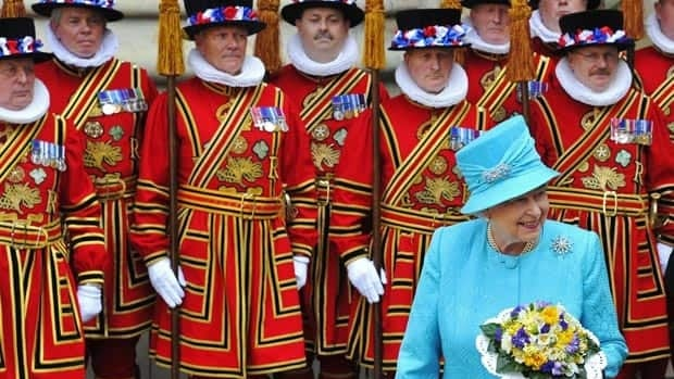 Royal wedding guests learning protocol for April 29 ...