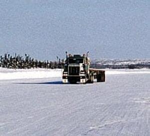 sm-220-winter-road-1342128