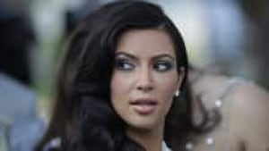 hi-kardashian-cp00747515-3col